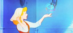 17 Magical Lifehacks To Learn From Disney Movies: Use a bubble as a mirror.