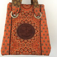 Shopping bag made by the pinner from Shwe-Shwe fabric. Shweshwe Dresses, Africa Fashion, Printed Tote Bags, Traditional Dresses, Editorial Fashion, African, Style Inspiration, Shopping Bag, Fashion Design
