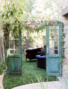 35 Rustic Old Door Wedding Decor Ideas for Outdoor Country W.- 35 Rustic Old Door Wedding Decor Ideas for Outdoor Country Weddings -