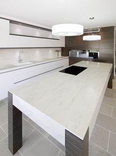 Beautiful Kitchen Benchtop With Corian®. Credit: Art Of Kitchens #corian  #kitchenbenchtop