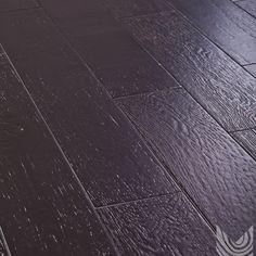 Массивная доска Дуб Гранж. Дерево в интерьере. Дубовый паркет.  Другие фото: http://m-dec.ru/catalog/floor/massivnaya_doska/dub-granzh скачать текстуру: http://m-dec.ru/designer/texture/ Массивный паркет. Пол из дуба. Темный паркет. Темный пол. Доска под лаком. Брашированная доска.