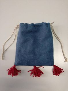 Limosnera siglo XIII  XV confeccionada en paño de lana. https://www.etsy.com/es/listing/209410608/limosnera-siglo-xiii-xv-confeccionada-en?ref=shop_home_active_6
