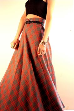 Love the patterning of this 1940s Plaid Maxi Skirt. An elastic waist would be better