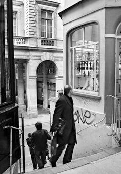 passage des Deux Pavillons (face à la rue de Beaujolais) - Paris 1er