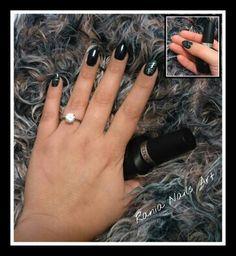 Nails blue black zebra