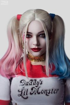 Post with 1631 views. Amazingly accurate Harley Quinn (Suicide squad) by MarikaGreek Cosplay Harley Quinn Halloween Costume, Harley Quinn Cosplay, Joker And Harley Quinn, Dc Cosplay, Cosplay Girls, Haircut Styles, Wig Styles, Short Curly Hair, Curly Blonde