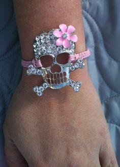 Girly chic skull bracelet<3 omg I love this!!