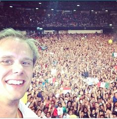 Armin Selfie in the best show ever Armin Only Intense Mexico #Selfie #AOMEX #ArminOnlyIntense #ArminOnlyMexico