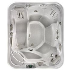 The Sovereign - 6 person hot tub