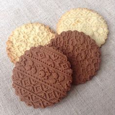 Ingredients for basic recipe*: 200 gr unsalted butter, softened 150 gr powdered . Shortbread Recipes, Shortbread Cookies, Cookies Et Biscuits, Stamped Shortbread Cookie Recipe, Stamp Cookies Recipe, Sugar Cookies Recipe, Roll Cookies, Holiday Cookies, Christmas Chocolate