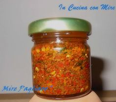 Home-made spicy Calabrian - Piccantino calabrese-Home made Almond Paste Cookies, Pesto Dip, Food & Wine Magazine, World Recipes, Stuffed Hot Peppers, Italian Recipes, Creme, Food And Drink, Cooking Recipes