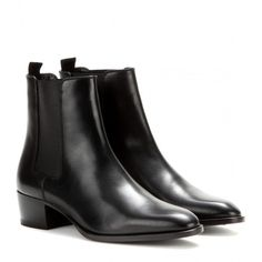 Saint Laurent Wyatt Leather Chelsea Boots (€695) ❤ liked on Polyvore featuring shoes, boots, ankle booties, black, beatle boots, leather booties, leather ankle booties, black boots and black booties
