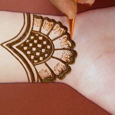 beautiful henna design beautiful henna design,mehandi Related posts:▷ 1001 + Ideen und Bilder zum Thema Partnertattoo - henna designsWorld map Temporary Tattoo / Airplane flash tattoo / Wrist tattoo for travelers / Wind rose.