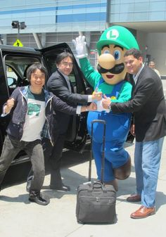 E3 is coming! Miyamoto and Iwata arrive in Los Angeles, welcomed by Luigi and Reggie!