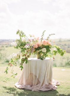 Beautiful urn display via Wedding Sparrow blog www.weddingsparrow.com