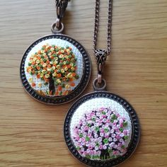 """Bilgi ve sipariş için dm den ulaşabilirsiniz #etamin #kanavice #kanavicekolye #etaminkolye #elemegi #handmade #crossstitch #crossstitcher #carpiisi…"" French Knot Embroidery, Hand Embroidery Dress, Embroidery Jewelry, Crewel Embroidery, Ribbon Embroidery, Cross Stitch Embroidery, Cross Stitch Patterns, Resin Crafts, Jewelry Crafts"