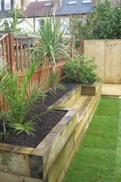 Big Garden Design Bench raised bed made of railway sleepers. This would be great for a small veggie garden.Big Garden Design Bench raised bed made of railway sleepers. This would be great for a small veggie garden. Raised Bed Garden Design, Diy Garden Bed, Small Garden Design, Small Garden Raised Beds, Raised Gardens, Raised Flower Beds, Easy Garden, Garden Ideas For Small Spaces, Fence Garden