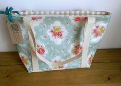Oilcloth Shoulder Bag, Zipper Fabric Tote Bag, Top Handle Bag, Shopper, Floral Bag, Gift For Mum, Present For Aunt, Holdall, Practical Bag