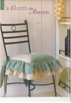 Cucito Creativo nº 02 - Lemon Cat - Picasa Web Album Christmas Chair Covers, Diy Pillows, Sofa Covers, Slipcovers, My Design, Armchair, Dining Chairs, Projects To Try, Room