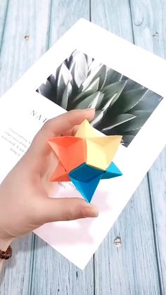 Instruções Origami, Origami And Kirigami, Modular Origami, Paper Crafts Origami, Origami Ideas, Origami 3d Star, Origami Design, Cool Paper Crafts, Diy Arts And Crafts