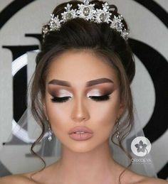 Dramatic Wedding Makeup, Natural Wedding Makeup, Wedding Makeup Looks, Wedding Makeup For Brunettes, Makeup For Brides, Wedding Hair And Makeup Brunette, Natural Makeup, Bridal Hair And Makeup, Quinceanera Hairstyles