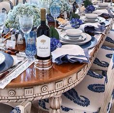 Very elegant formal setting in blue hues with white, crystal and silverware, for you to enjoy with family and friends. JH