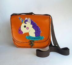 unicorn deri çanta Nar Atelier el yapımı kedili deri çanta.Ebat: 20 cm en x 18 cm yukseklik 8 cm derinlikorange.... 298424