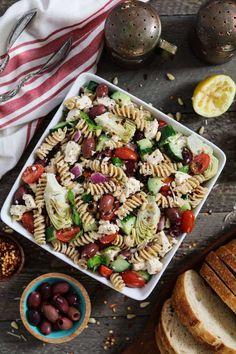 salade de pates maditerranaenne tomates cerises feta artichauts pignons  #salad #recipes