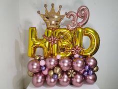 Como hacer un Bouquet o arreglo de globos - tecnicas TIPS - tendencias en globos bouquet con globos - YouTube Balloon Gift, Balloon Wall, Balloon Arch, Balloon Garland, Balloon Flowers, Balloon Bouquet, Birthday Balloon Decorations, Birthday Balloons, Rocket Birthday Parties