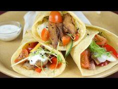 Széll Tamás - Csirkés tortilla tekercs, friss zöldségek, avokádós sajtkrém - YouTube Hamburger, Bacon, Quesadilla, Pizza, Mexican, Snacks, Monitor, Ethnic Recipes, Food
