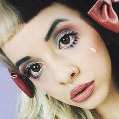 Melanie Martinez Makeup | Steal Her Style