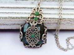 Filigrane Halskette in grün silber antik Halskette von Schmucktruhe, €28.00