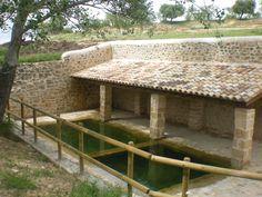 """La Gramenet,  antiguo lavadero de Cretas  """"restaurada"""""""