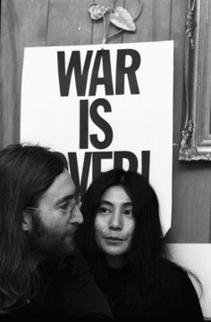 John Lennon and Yoko Ono. Such inspirational people. Pop Rock, Rock N Roll, John Lennon Yoko Ono, Les Beatles, Answer To Life, Cinema, Give Peace A Chance, Blues, Famous Couples