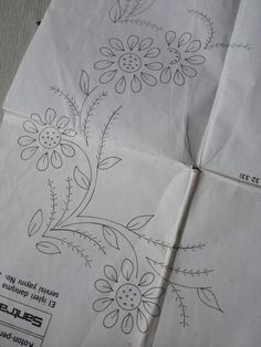 Pillow Embroidery, Embroidery Transfers, Ribbon Embroidery, Embroidery Art, Embroidery Stitches, Flower Pattern Drawing, Flower Line Drawings, Flower Art Drawing, Hand Embroidery Videos