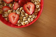 30 g of (cold) cereal - one serving of grain products, 1/2 cup of fresh fruit - one serving of fruits and vegetables