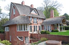Villa Bergen NH - rieten kap - architectuur naar Amsterdamse School