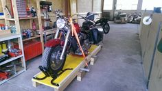 Motorcycle Lift by runrig -- just finish building this...