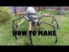DIY giant spider halloween prop tutorial Rough Guide – All Home Decoration Ideas Halloween Yard Displays, Halloween Yard Art, Halloween Outside, Halloween Spider Decorations, Theme Halloween, Outdoor Halloween, Vintage Halloween, Diy Halloween Spider, Halloween Labels
