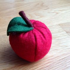Red apple: http://karinssida.weebly.com pin cushion.