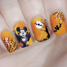 Not actual porn, just nails! 💅🏻💅🏼💅🏽💅🏾💅🏿None of these nails are mine unless stated. I just make gifs & gif tutorials, but all posts have the original nail artist. Fall Nail Art Designs, Creative Nail Designs, Short Nail Designs, Creative Nails, Disney Halloween Nails, Fall Halloween, Nail Polish Trends, Nail Trends, Trendy Nails