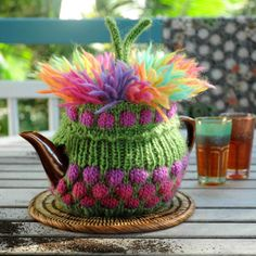 Potty Punk is a most magnificent tea cosy pattern. Originally designed for the Sydney Fringe Festival 2015 tea cosy workshop. He is knitted