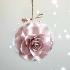 Homemade Xmas Gifts, Homemade Christmas Crafts, Christmas Ornament Crafts, Handmade Christmas Gifts, Diy Christmas Baubles, Flower Ornaments, Handmade Ornaments, Christmas Balls, Buffalo Check Christmas Decor