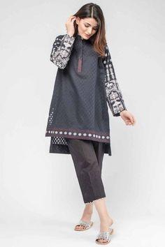 22 Casual Wear For Teens - Fashion New Trends Kaftan Designs, Kurta Designs Women, Stylish Dresses For Girls, Stylish Dress Designs, Simple Dresses, Stylish Dress Book, Girls Dresses Sewing, Simple Pakistani Dresses, Pakistani Dress Design