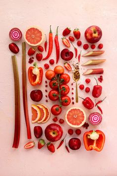Fruit Photography, Flat Lay Photography, Food Photography Styling, Whimsical Photography, Red Fruit, Fruit And Veg, Fruits And Veggies, Yellow Vegetables, Food Design