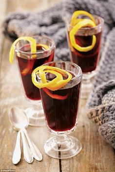 This winter warmer is perfect to serve on Bonfire Night Bonfire Night Treats, Persian Rice, Burger Night, Dessert Cups, Mulled Wine, Winter Warmers, Healthy Drinks, Banquet, Spices