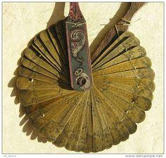 Medieval Books, Medieval Manuscript, Paper Book, Paper Art, Book Journal, Journals, Ancient Paper, Leaf Structure, Leaf Book