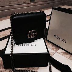 Gucci Teal Green Shanghai Blooms Top Handle Flower Bag Handbag Authentic Italy New Gucci Handbags, Handbags Michael Kors, Luxury Handbags, Purses And Handbags, Leather Handbags, Gucci Bags, Luxury Purses, Luxury Bags, Sacs Design