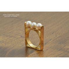 Anillo de Oro con Perlas Cultivadas/Gold ring with pearls by Fernando Gallego
