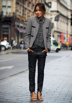 mix + match, black and white tweed jacket + green check blouse Look Street Style, Street Chic, French Chic, Cute Fashion, Look Fashion, Street Fashion, Mode Style, Style Me, Moda Outfits